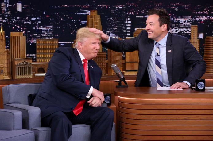Jimmy Fallon met Donald Trump in de studio.