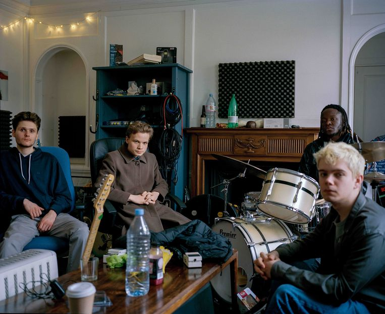 Black Midi, van links naar rechts:Matt Kwasniewski-Kelvin, Geordie Greep, Morgan Simpson en Cameron Picton. Beeld Sam Craigg
