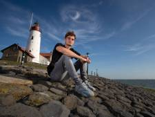 Geloof zit eerste Urker prof Ras niet in de weg: 'Haal doordeweeks wel in'