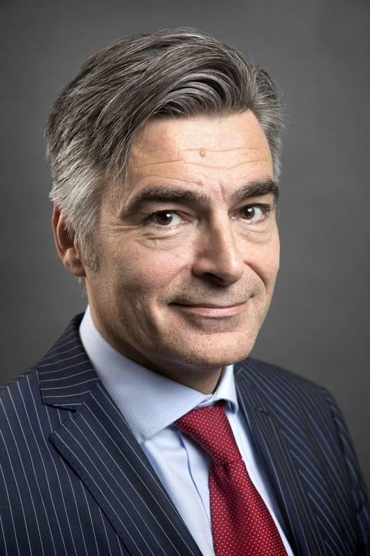 Wethouder Adriaan Visser (cultuur, D66) stelt voor een externe begeleider aan te stellen die de verschillende partijen bijeen moet brengen