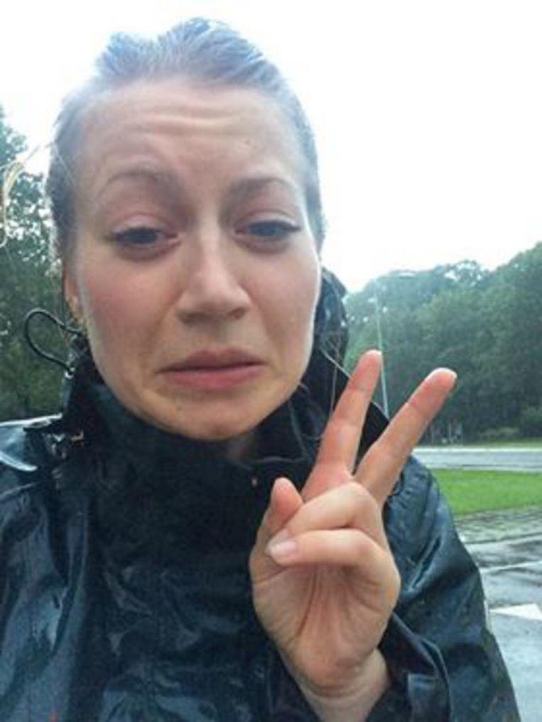 De laatste selfie van Anne Faber, in de regen.