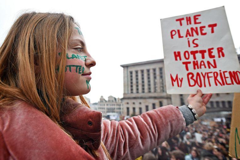 Belgische scholieren,maar ook steeds meer studenten,  demonstreren in Brussel voor het klimaat. Beeld Guus Dubbelman
