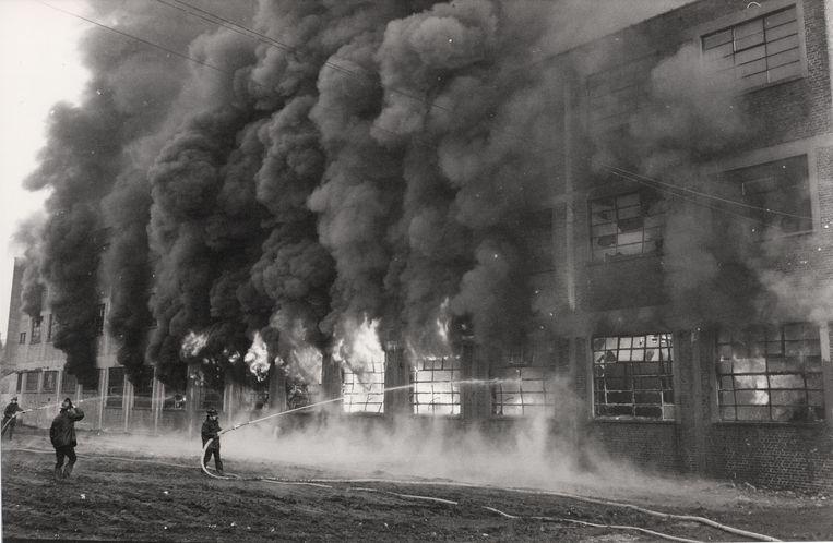 Beelden van de brand in schoenfabriek Tanghe, op 26 februari precies vijftig jaar geleden.