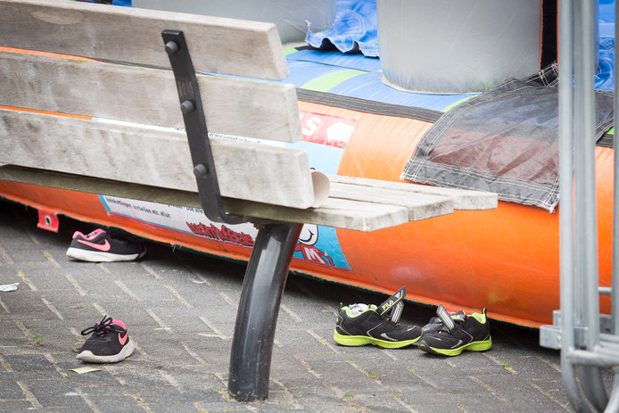 Zes kinderen gewond bij ongeval met sprinkussen in de wijk Emmerhout van Emmen.