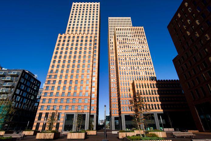 De kantorencentra Eurocenter en Symphony, vastgoed in Amsterdam waarmee gerommeld werd binnen het Philips Pensioenfonds.