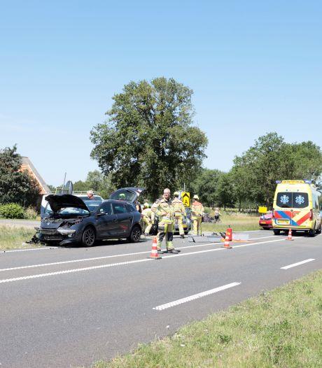 Gewonden bij aanrijding tussen auto's bij Dalmsholte