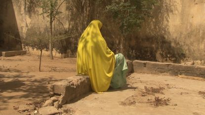 """Amnesty: """"Uitgehongerde vrouwen verkracht door soldaten en milities in Nigeria die hen 'kwamen redden'"""""""