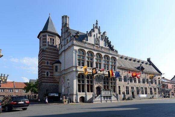 De expo van Jos Godfroid is te bezichtigen in het historische stadhuis.