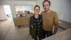 """Tim Den Roover en Liesbeth Vandael """"Nu roet verdwenen is, kriebelt het om te heropenen"""""""