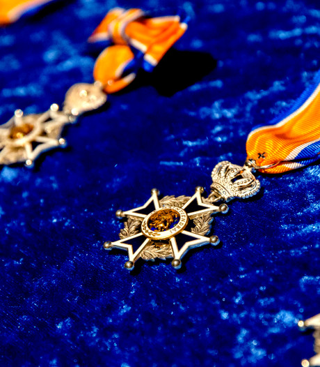 Patholoog Hans van der Linden uit Veghel benoemd tot Officier in de Orde van Oranje Nassau