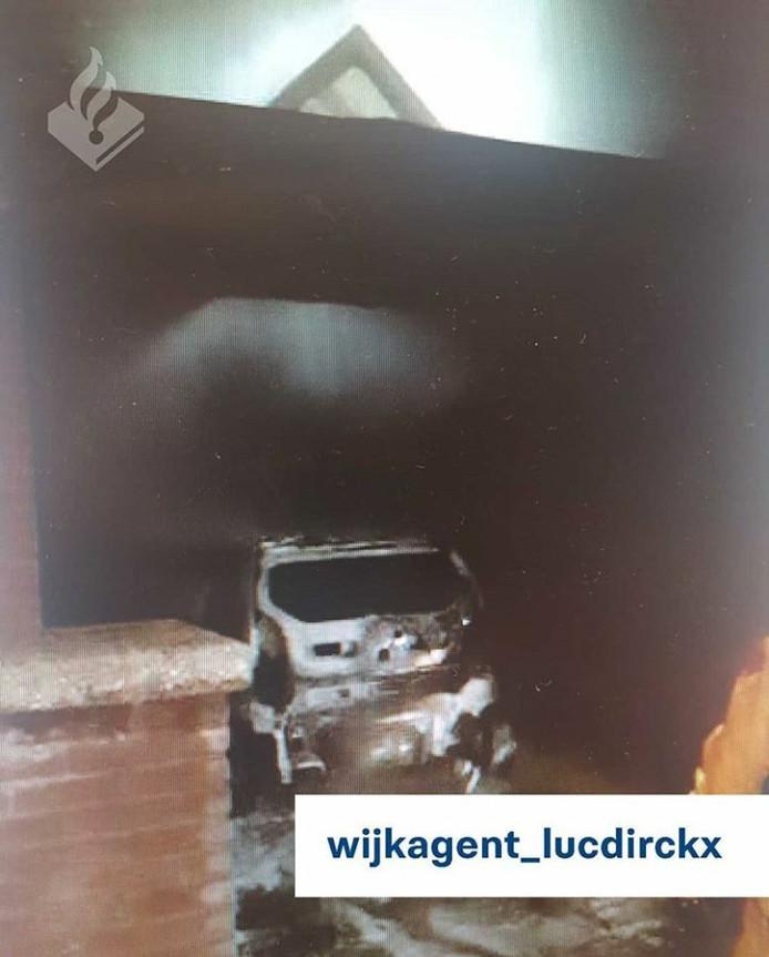 Een van de drie branden in dezelfde nacht in Deurne.
