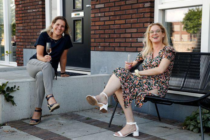 Margaretha en Francien (rechts).