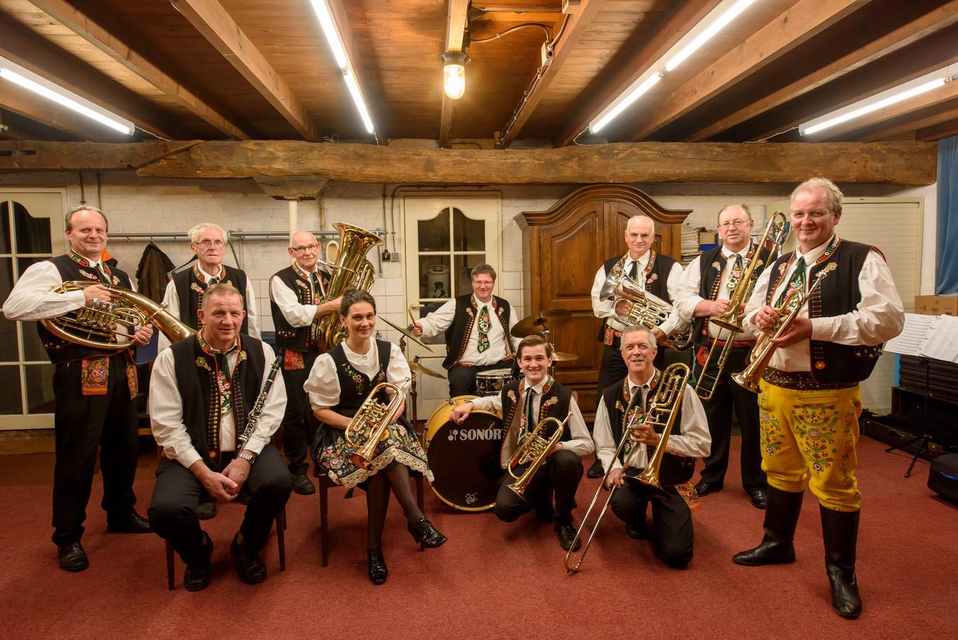 De Tsjechische blaaskapel Die Stall-Freunde bestaat dertig jaar.