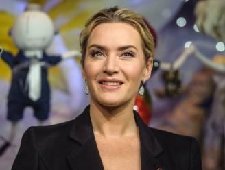 "Kate Winslet blikte controversiële seksscène in met Saoirse Ronan: ""Nooit gedacht dat ik nog naakt zou gaan op mijn 43ste"""