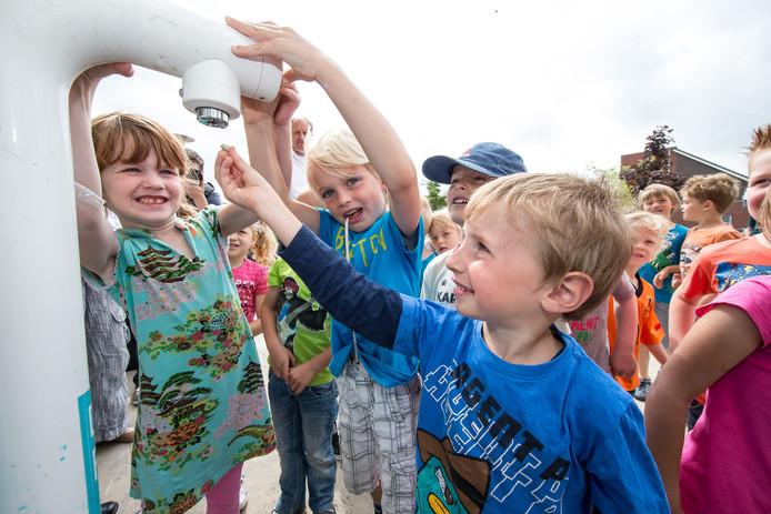 Een basisschool in Zwolle kreeg als één van de eerste scholen in Nederland een watertappunt.