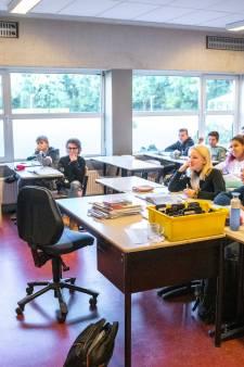 Nomineer nu je leraar of lerares! Wie neemt de PZC-wisselbokaal over van Hafid Draoui?
