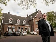 Gemeentehuis Weerselo in de verkoop