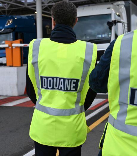 Opgepakte chauffeur (32) uit Urk is zoon wethouder, Britse politie vindt 16 miljoen aan harddrugs in trailer