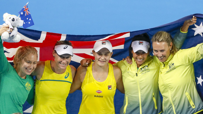 Van links naar rechts: Daria Gavrilova, Sam Stosur, Ash Barty, Priscilla Hon en Alicia Molik.