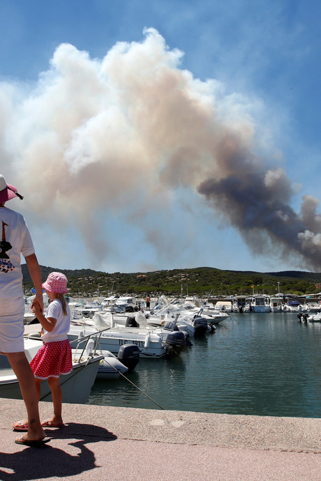 Hevige bosbrand Zuid-Frankrijk laait weer op