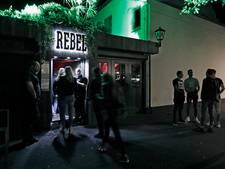 Café Rebel wil principe-uitspraak: Wie is verantwoordelijk voor volk op straat?