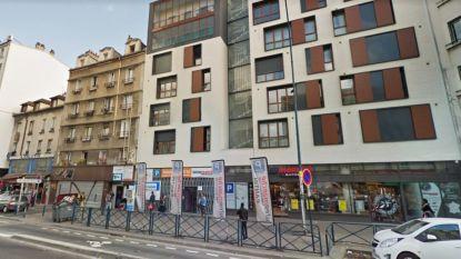Man in Parijs gedood door moeder die met dochtertje uit raam springt