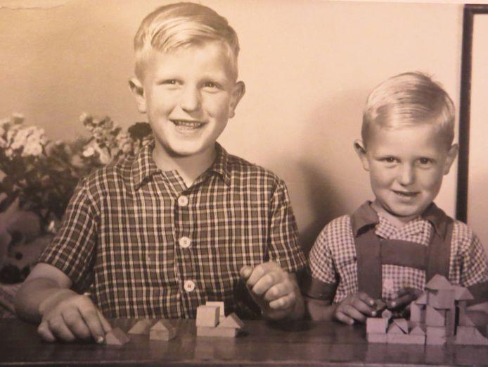 Bevrijdingsbaby Jos Vreeburg (links).