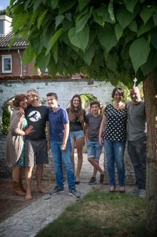Bijzondere woonsituatie gezin Waalre: 'Mijn vader woont bij ons in de schuur'
