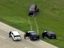 Course-poursuite: elle percute un camion et réserve une surprise à la police