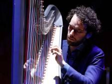 Remy van Kesteren speelt zijn eigen lied in Muziekgebouw Eindhoven