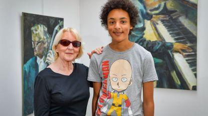 Creatieve oma (70) wil met opbrengst droom van getalenteerde kleinzoon (14) waarmaken: 100 schilderijen voor één vleugelpiano