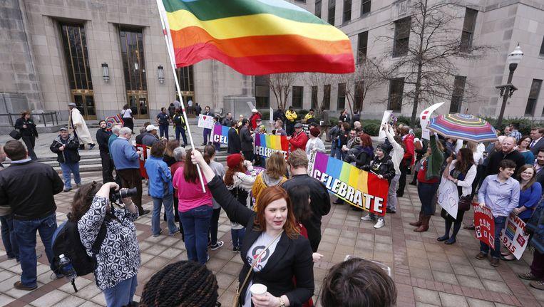 Voorstanders van het homohuwelijk in Alabama vandaag.