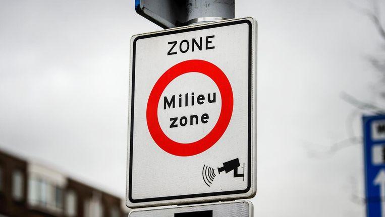 De milieuzone wordt per 1 januai 2017 in Amsterdam ingevoerd voor oude bestelauto's op diesel Beeld anp
