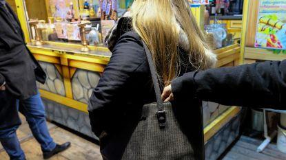 Kerstmarkt ook voor zakkenrollers een feest: agent onthult hun 6 sluwste trucs (en geeft 4 tips om ze te slim af te zijn)