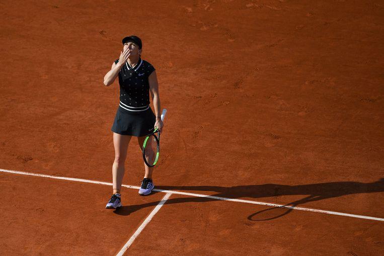 Simona Halep na haar zege in de vierde ronde op de Poolse Iga Swiatek, die ze tennisles gaf: 6-1 6-0. Beeld AFP