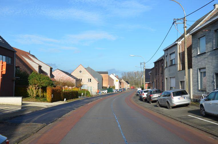 De nieuwe parkeerstroken in de Eigenstraat in Denderhoutem.
