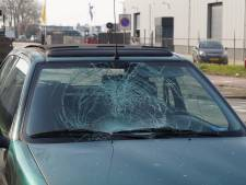 Fietsster door auto geschept in Kaatsheuvel