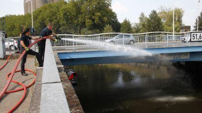 Zeebergbrug uitgezet door hoge temperaturen