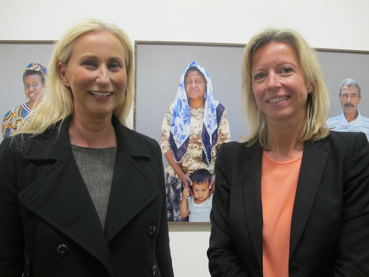 Karin van Gilst (links)
