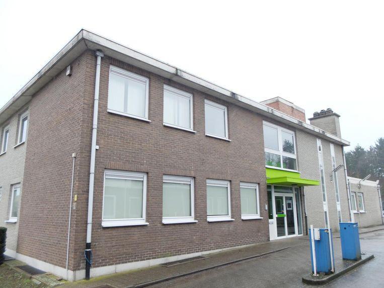 Het gebouw aan de Frans Coeckelbergsstraat staat sinds het vertrek van vakbond ACV leeg.