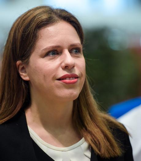 Minister Schouten ontvangt pulsvissers: 'We staan met 1-0 achter'