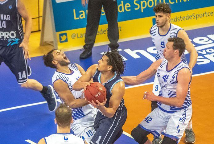 Zwolle Landstede Basketbal mag het in de beker opnemen tegen Aris.