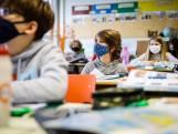 """Virologen en politici zijn het eens: """"Te vroeg om hogere graden middelbaar weer voltijds naar school te sturen"""""""