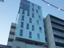 Glasplaten Piushaven-complex verschuiven, gemeente grijpt in: 'Alarmerend'