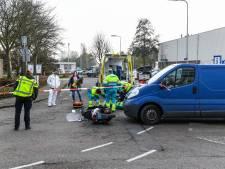 Scooterrijder ernstig gewond bij aanrijding in Leimuiden