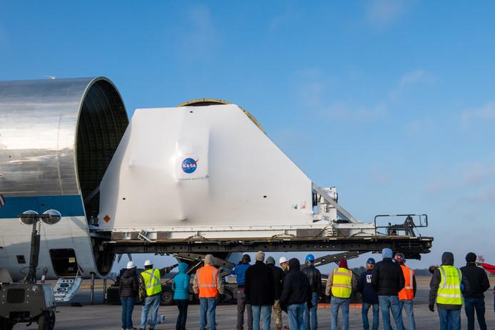 L'avion Super Guppy de la NASA a été ouvert pour révéler l'engin spatial Orion, enveloppé dans une housse de protection. L'engin spatial va entrer dans la dernière phase de tests avant d'être intégré à la fusée Space Launch System, pour le lancement de l'Artemis I. Orion fera l'objet d'essais thermiques et électromagnétiques au Complexe des environnements spatiaux.