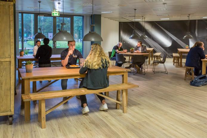 De eetzaal van de FSG Academy in Apeldoorn.