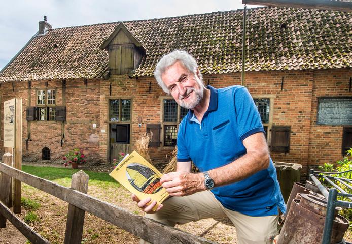 Ben van Dijk stelde de mooiste verhalen over museumboerderij De Lebbenbrugge te boek.