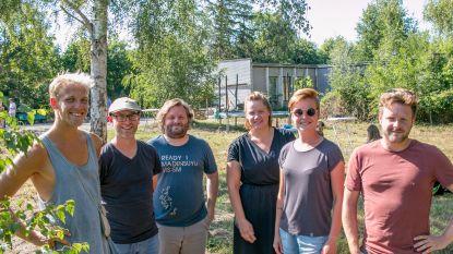 Jeugdwerk doet het experimenteel: kwetsbare jongeren gaan samen tuinieren in vroegere school