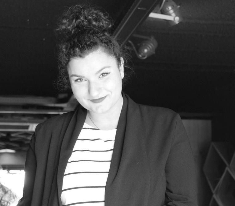 Berna Keskindemir, de juridisch adviseur bij European Center for Not-for-Profit Law doet onderzoek naar de impact van corona-apps op mensenrechten. Beeld -